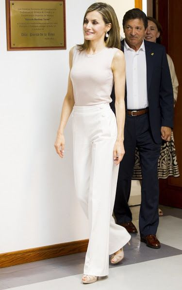 Queen Letizia at the opening of the summer courses of the School of Music