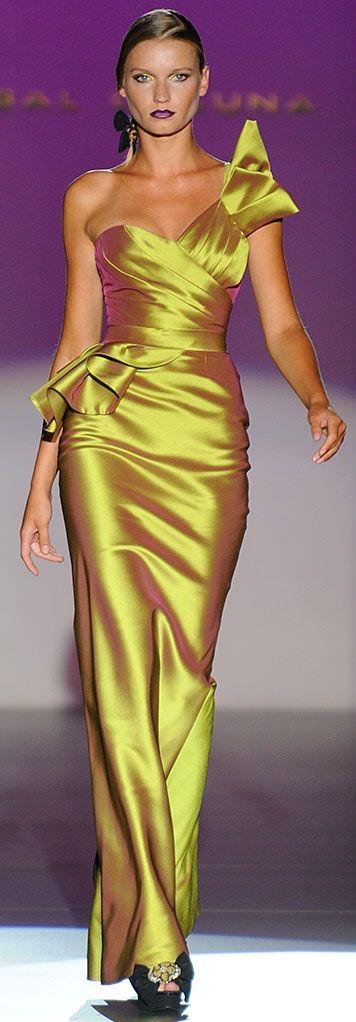 "I normally don't like ""shiny"" dresses, but Fuuuuuuuuuck...gorgeous/// Hannibal Laguna"