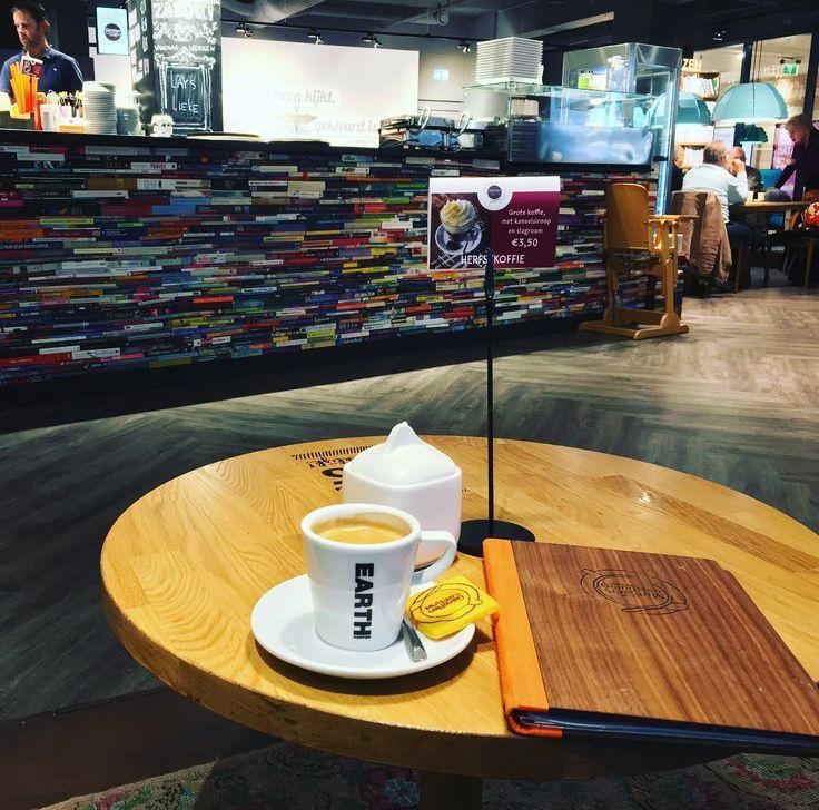 #lekker#relaxt#een#bakje#koffie#drinken#in#de#stad#tilburg#gianotten#gianottenmutsaers#mutsaers#dus#ik#zeg#mazzel#013