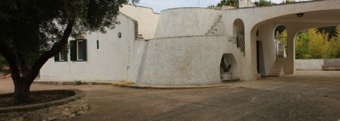 A wonderful villa in Ostuni ...is a Trullo !  ask info to : info@appartamentivacanzeitalia.com