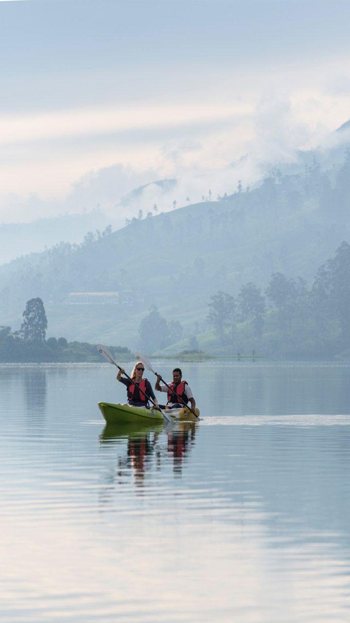 Kayak sur le lac Castlereagh, au Tea Trails www.resplendentceylon.com