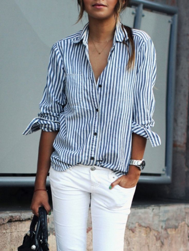 Breezy, cool and chic chambray blue and white pinstriped dress shirt with white skinny jeans. So perfect for a casual, comfortable and chic look.