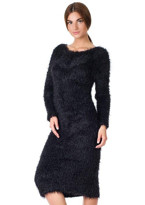 Роскошное платье «меховой гламур» выполнено из пушистой фантазийной пряжи. Женственный крой полностью повторяет изгибы женского тела. Платье будет прекрасным вариантом для торжественного вечера.