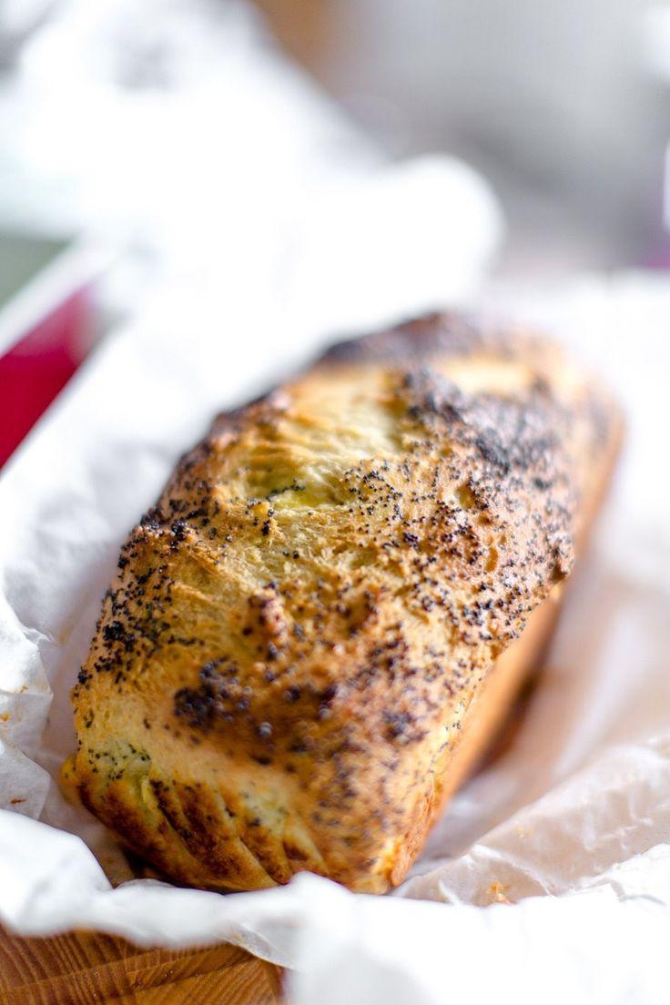 Frukostfrallorna går utmärkt att göra som formfranska! Bullarna blir lite luftigare än brödet men det blir ett perfekt bröd för rosten! OBS: Receptet är uppdaterat, gamla receptet finns HÄR: 24 skivor (á132 kcal, 4 gram protein, 2 gram kolhydrater, 12 gram fett) 4 dl mandelmjöl 4 dl pofiber 4 msk fiberhusk 3 tsk bakpulver 2 […]