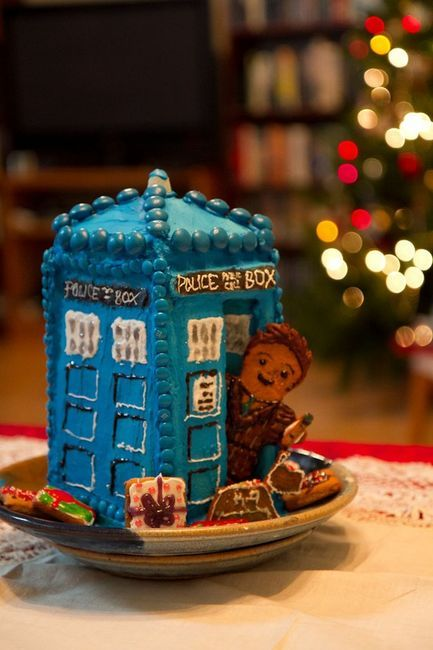 christmas project - gingerbread tardis  Aweh! Gotta make it d: