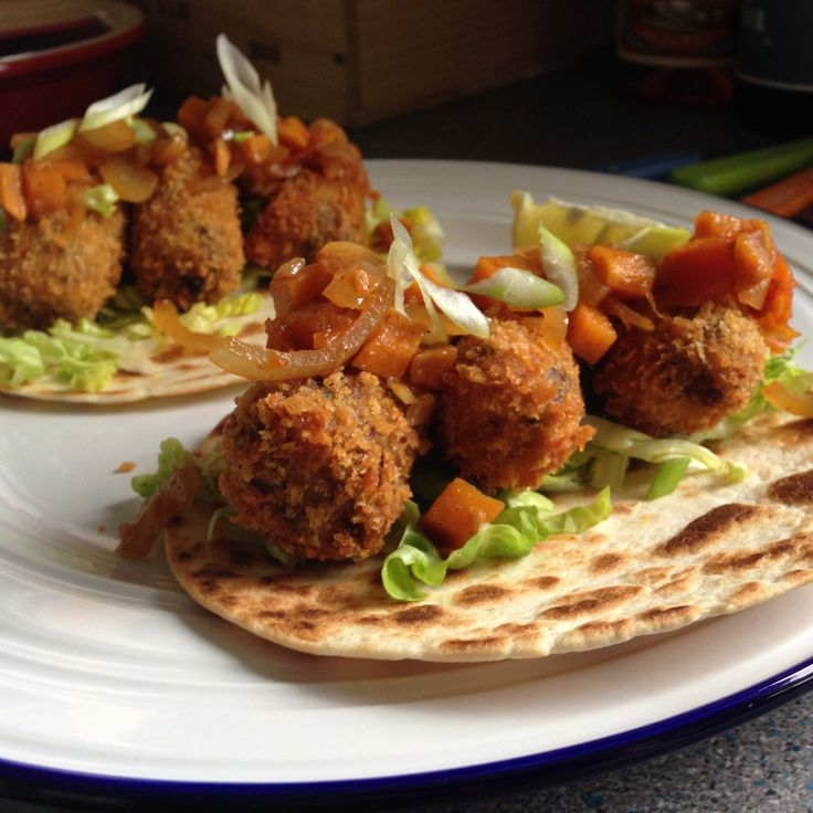 Haggis+Croquette+Tacos+with+a+Whisky+Chutney