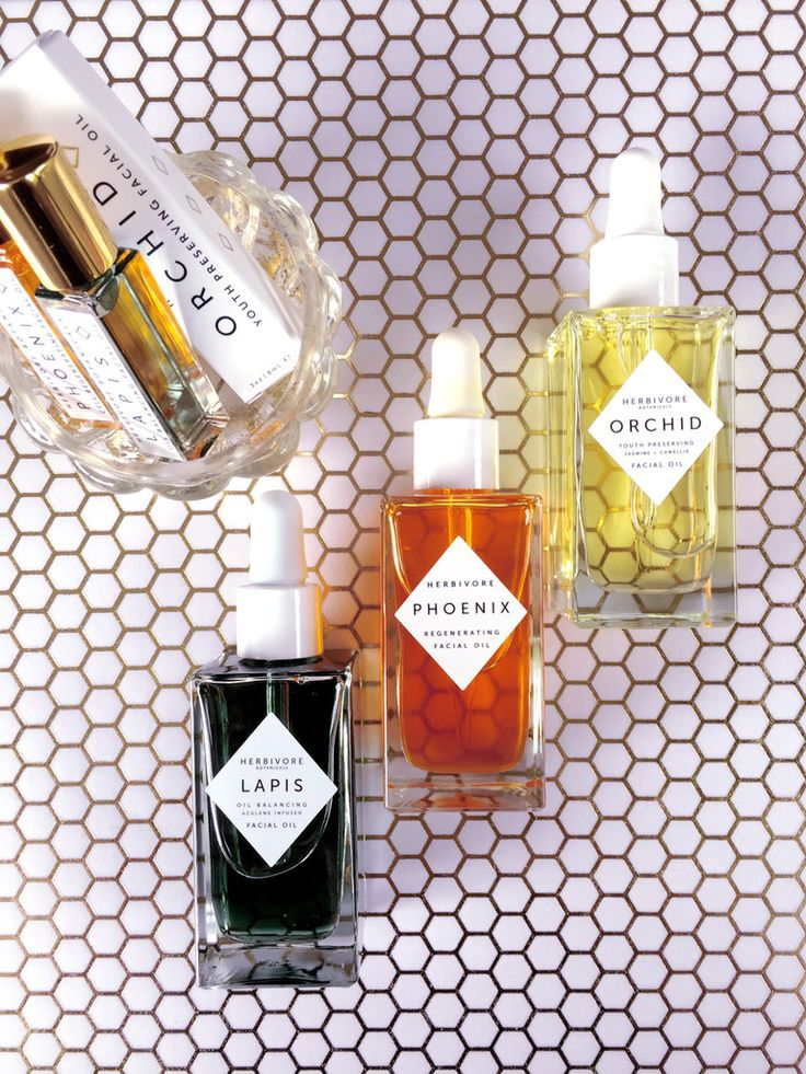 How to choose between the Herbivore Botanicals Orchid, Lapis, or Phoenix Facial Oil. What are the differences? Which is right for my skin?
