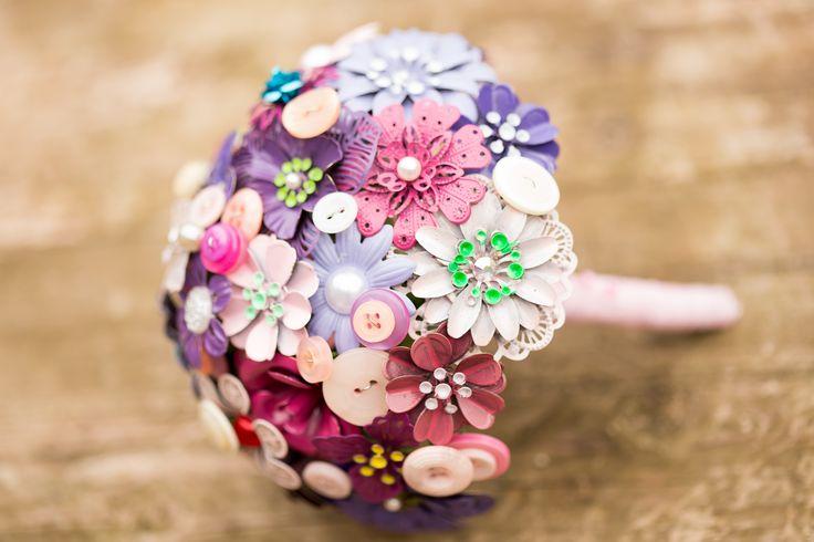 Para fugir do tradicional buquê de noiva de rosas (e outras flores), ideias para te inspirar a fazer um buquê memorável, que você pode guardar pra sempre!