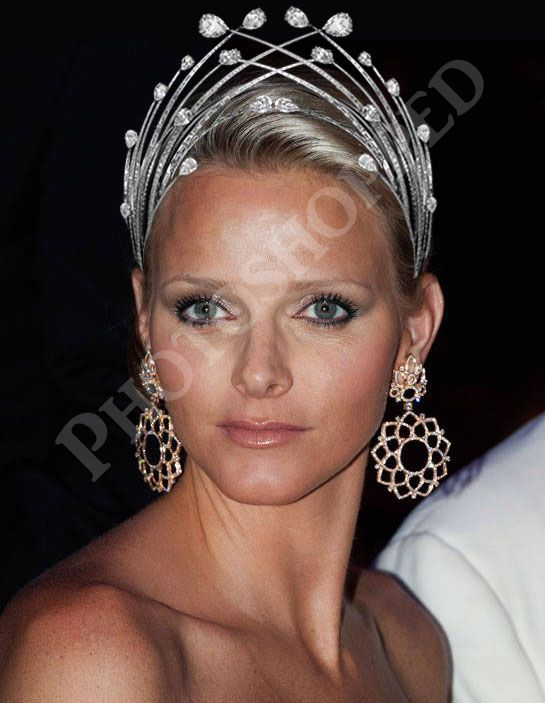 What if the Diamond Foam Tiara was double sided? PHOTOSHOP