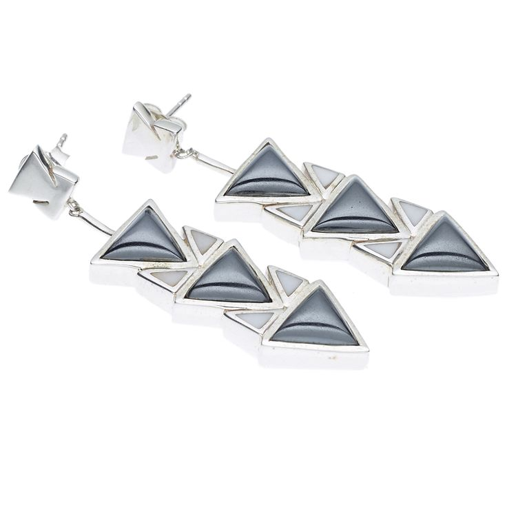 PUSHMATAAHA // SPEARHEAD DROP EARRINGS in Hematite and White Agate with 925 Sterling Silver