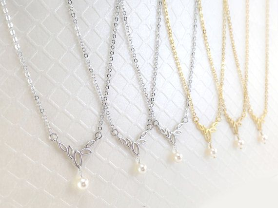 Bridesmaid Pearl Necklace Set of 6 Necklaces/ by MillyStreet