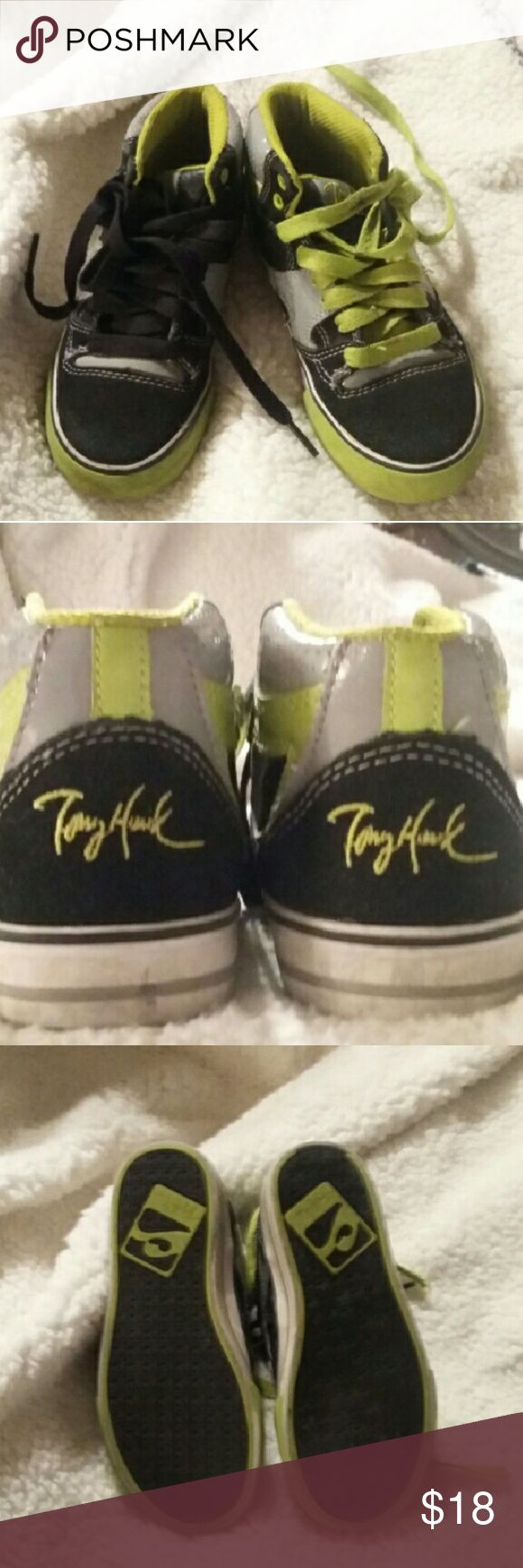 Tony Hawk Skate Boarding Shoes Tony Hawks Boys Skate Boarding Shoes in very good condition. Clean and ready to go down to the park! Tony Hawk Shoes Sneakers