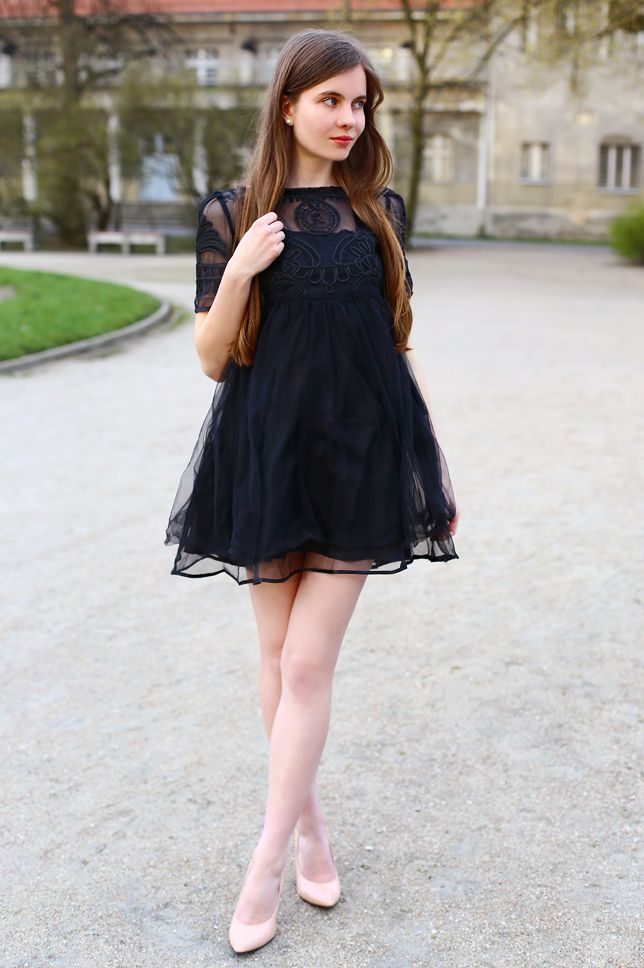 Czarna Tiulowa Sukienka I Bezowe Szpilki Ari Maj Personal Blog By Ariadna Majewska Girls Black Dress Babe Dress Feminine Dress
