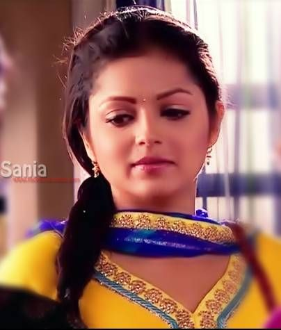 https://s-media-cache-ak0.pinimg.com/736x/b7/23/2a/b7232a339d87df591d294d7b135f9a0f.jpg Madhubala Serial Golden Saree