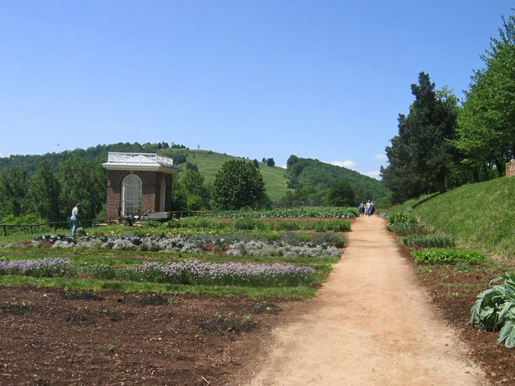 Jefferson's Monticello Gardens http://www2.fiskars.com/Gardening-and-Yard-Care/Projects/Prepping-Design-Planting-Harvest/Design/Great-Gardens-to-Visit-Thomas-Jeffersons-Tuckahoe-Monticello-Gardens#.Uz63ez99fhg