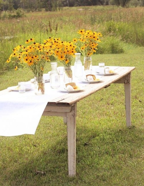 black eyed susans: Summer Flowers, Tables Sets, Idea, Black Ey Susan, Bridal Shower, Dinners Parties, Mason Jars, Black Eye Susan, Black Eyed Susan