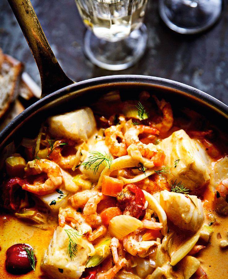 Fisk- och skaldjursgryta med curry