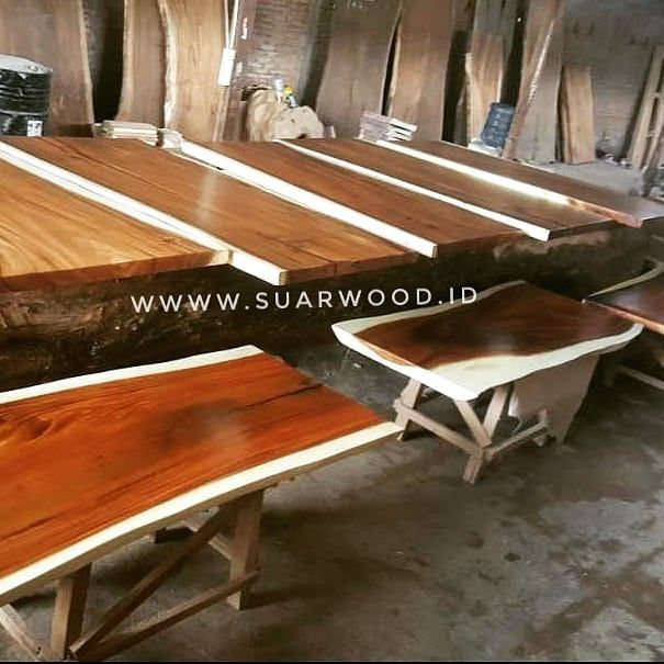 Feel the different with this table top from suar wood slabs.  We manufacture and export quality Suar Wood slabs at the most competitive price.  Ship to worldwide  More info Telp/WhatsApp: 62853-2777-3671 Email: info@suarwood.id  #indonesia #etsyseller #etsyshop #etsy #homedecor #homemade #home #furniture #coffee #decor #design #designs #designer #designers #interior #interiordesign #interiordesigner #modern #rustic #craft #crafts #art #artwork #artist #wood #woodworking #nyc #usa…