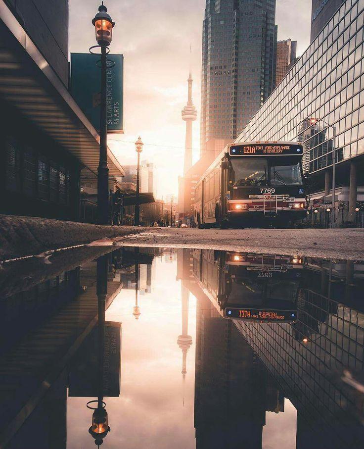 Toronto | CN Tower | City streetscape | Toronto morning |