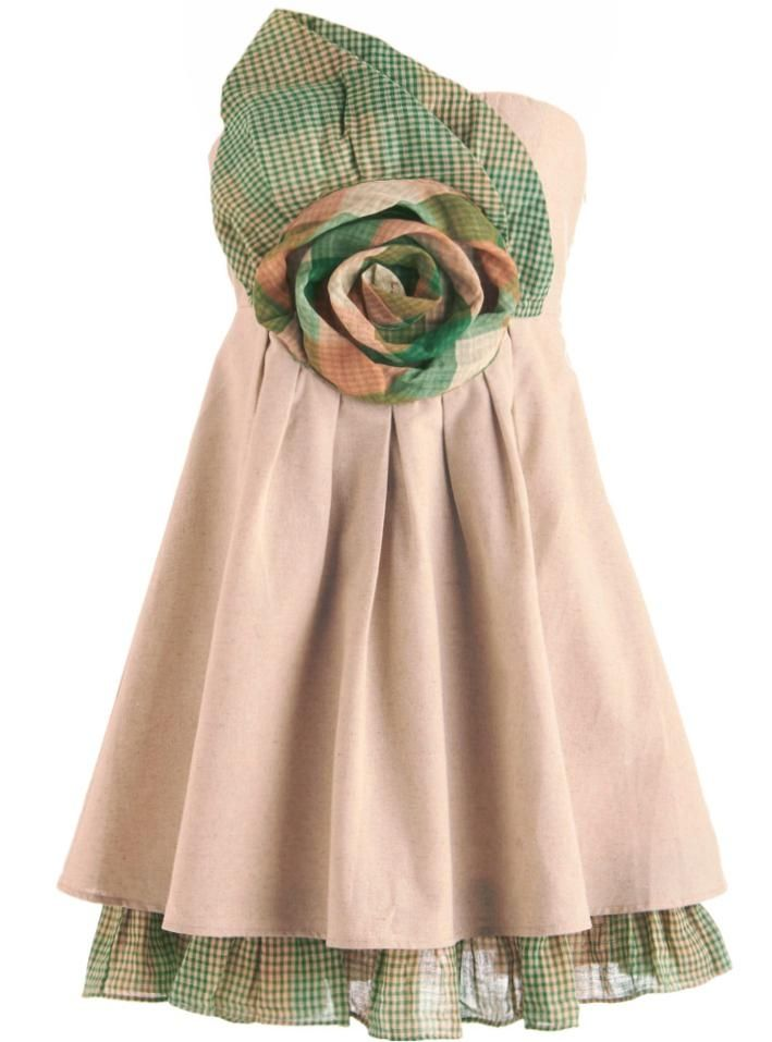 Blooming Linen Dress: Features a high-quality linen foundation cut into a beautiful no-slip strapless design, swirled flower applique with exaggerated leaf accent spanning the top of the bodice, beautiful pleated A-line skirt, and a ruffled plaid liner to finish.: Giant Flowers, Flowers Dresses, Bridesmaid Dresses, Country Cupcakes, Retro Vintage Dresses, Linens Dresses, Cupcakes Dresses, Modcloth Com, Unique Dresses
