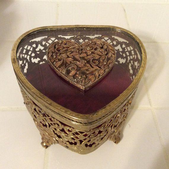 Vintage gold filigrane Glas herzförmige Schmuck von PilarandMe