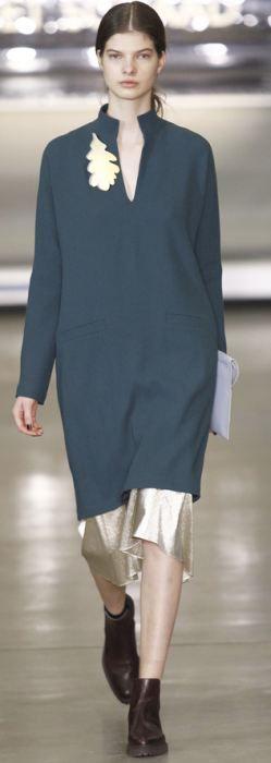 Модели деловой одежды для пышек Осень-Зима 2016-2017: офисные сарафаны, платья, костюмы - фото