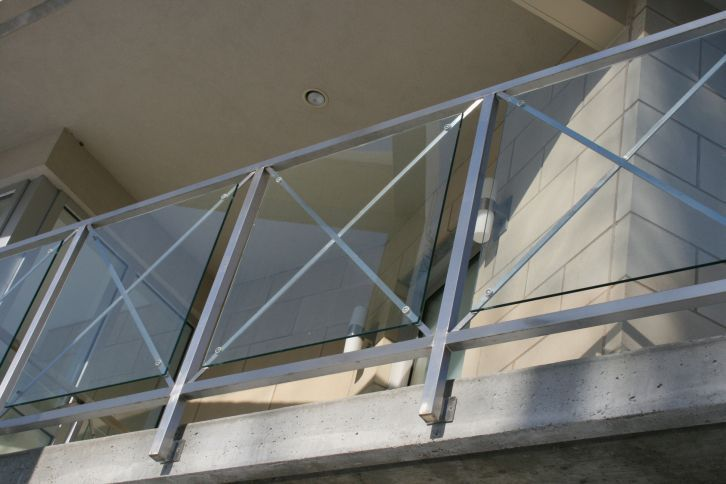 Outdoor railing stainless steel glass panel for for Garden decking glass panels