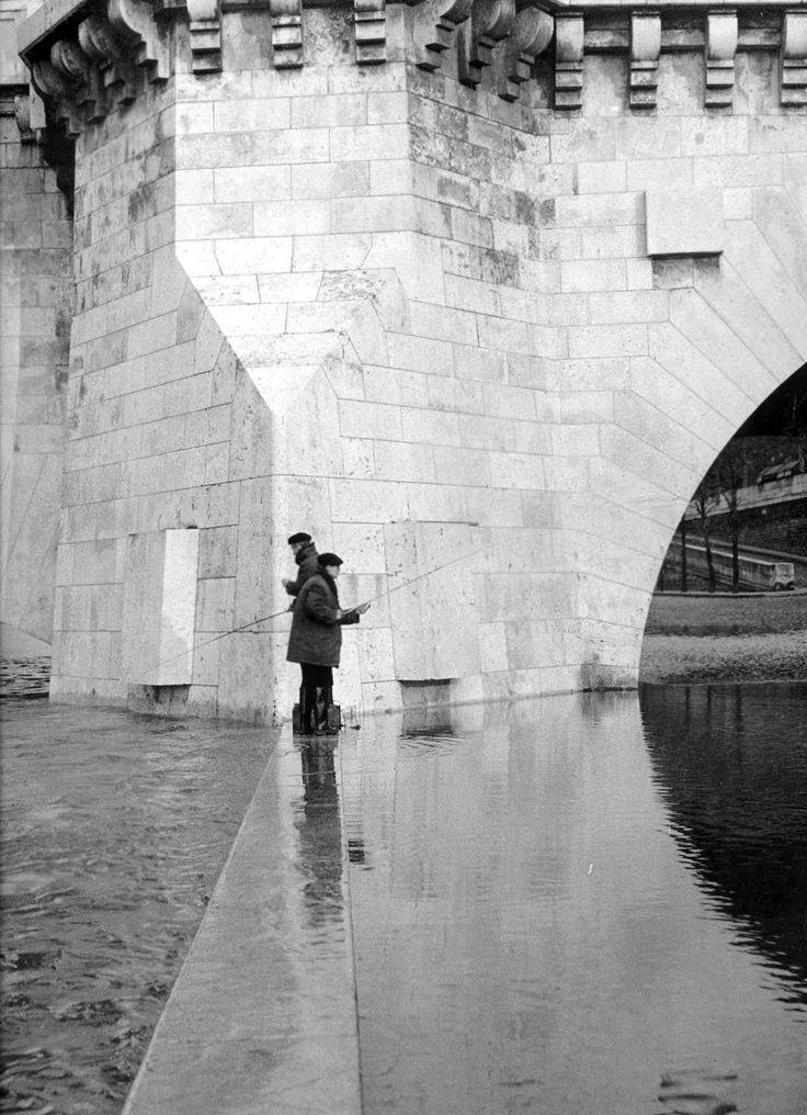 Robert Doisneau: Pont de la Tournelle, 1951