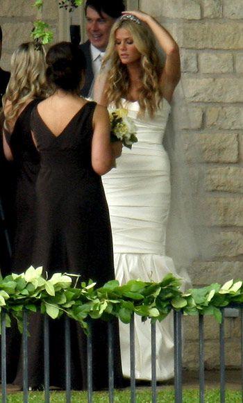 Brooklyn Decker wore a simmering custom Vera Wang mermaid gown for her wedding to Andy Roddick in 2009.
