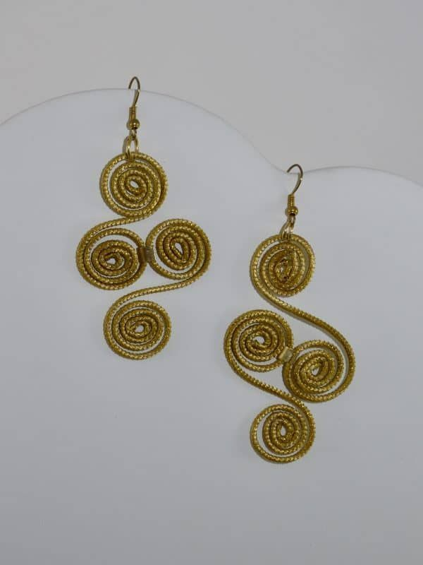 Capim Dourado (Golden Grass) Four Spiral Earrings #goldengrass #brazil #sustainablefashion #jewelry #ecofriendly #handmade #handmadejewelry #brazilian #handcrafted #earrings
