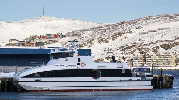 Samferdselstopper skulle til Hasvik for å løse kaoset båtene har skapt for lokalsamfunnet, men deres egen båt kunne ikke gå.
