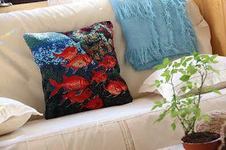 uncinetto moda e fantasia: arazzo bariera coralina....goblein......cuscino de...