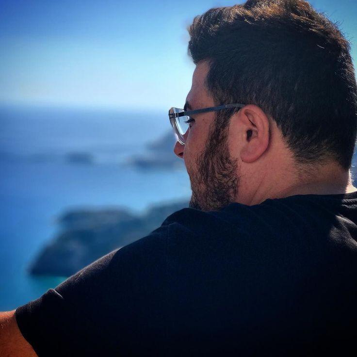 The #sun is up the sky is blue its a #beautifulday  #Photooftheday #instaphoto #skyporn #sky_perfection #skyblue #skyhigh #billyrhodes #music #dj #inspiration #mykita #mykitaberlin #iphone7plus #portraitphotography #rhodes #greece