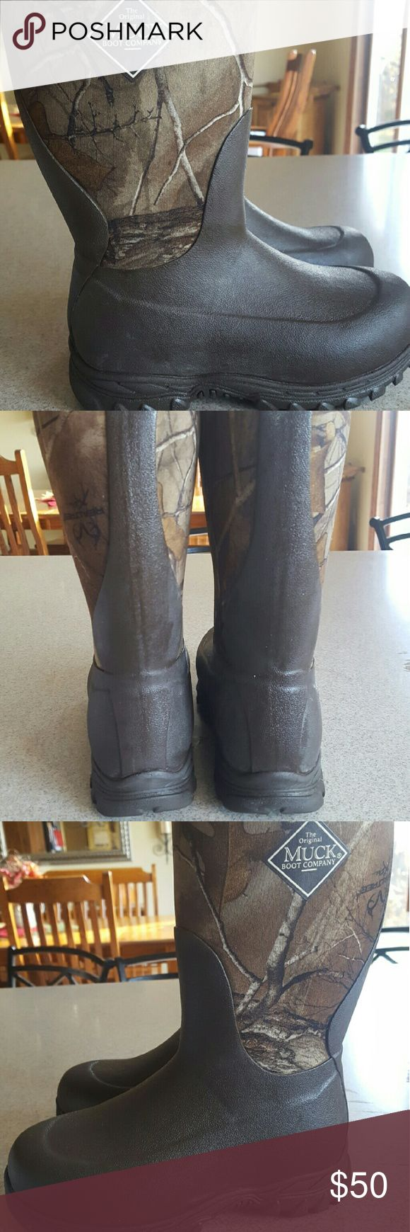 Kids Insulated Muck Boots Brown camo color. Really good condition. Only wore half a season. Kids size 2 Muck Shoes Rain & Snow Boots