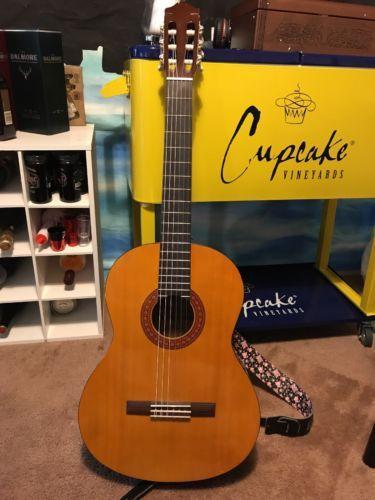 Yamaha Acoustic Guitar C40 in Musical Instruments & Gear, Guitars & Basses, Acoustic Guitars | eBay