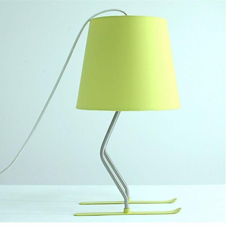 Creative Skier Desk Lamp (Yellow / White)