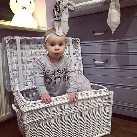 We love this #grey #stylish #nursery #furniture. Just perfect.  Would you like this #decor for your little one ?