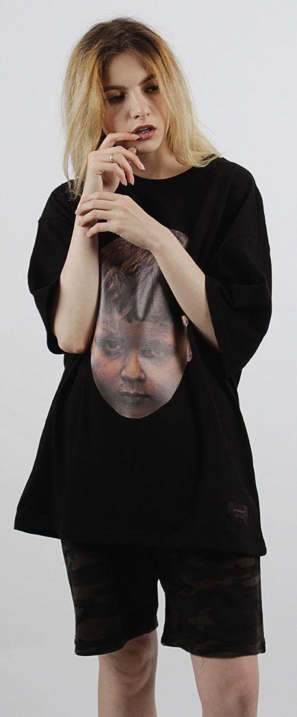 어린아이의 얼굴사진이 프린트된 유니섹스 사진 티셔츠 Model 170cm / 49kg / M size
