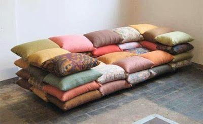 """La casa è dove si trova il cuore: Il divano: """"La psicanalisi è un mito tenuto in vita dall'industria dei divani."""" cit. Woody Allen"""