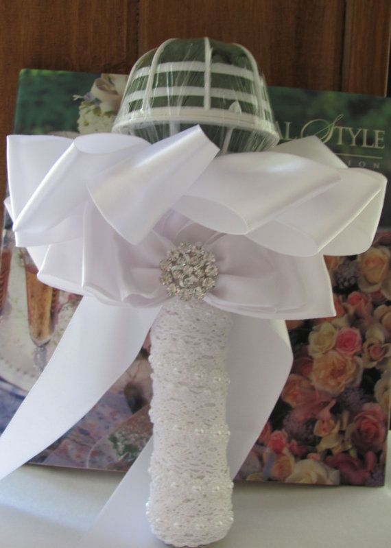 Best 25+ Bouquet holder ideas on Pinterest | Lace ribbon ...