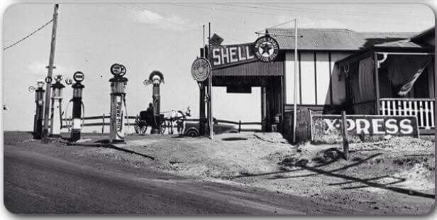 Old Gas Stations In Northern California: Old Service Station On The Great Western Highway,corner Of