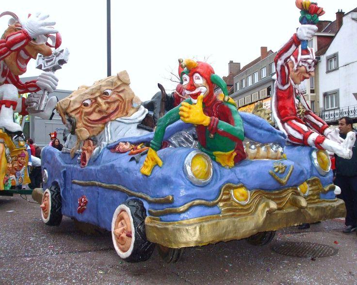 Resultado de imagem para mardi gras na europa