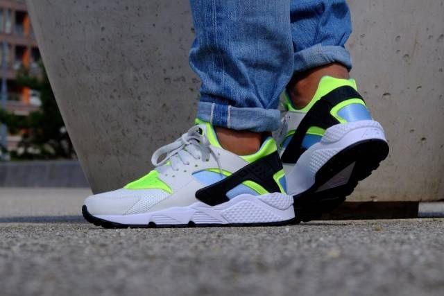 f543ddb612 AUTHENTIC Nike Huarache Run Running White Neon Green teal 318429 107 Men sz  | Kixify Marketplace | Kicks collection | Nike huarache, Huaraches, Nike air  ...