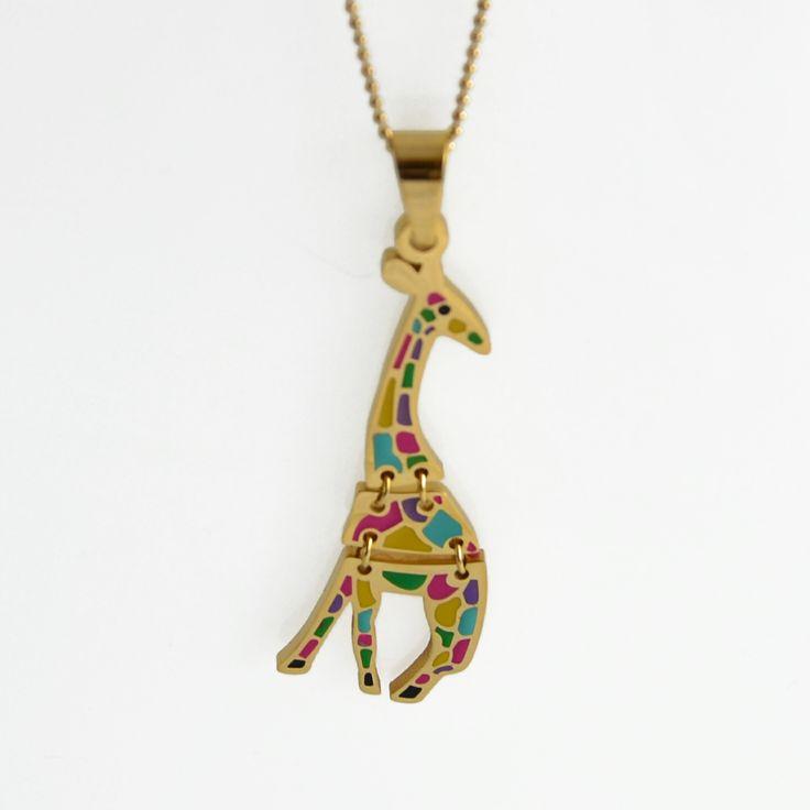 cadena con dije de jirafa, los puedes comprar ya en  http://www.martinpescador.com.co/