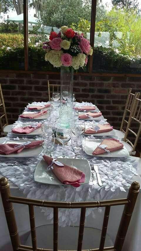 Montaje de mesa boda rosado