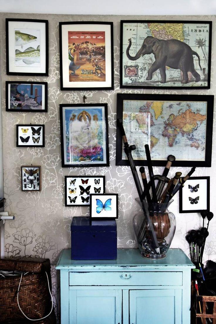 BILDEVEGG: Sommerfugler, kart og bilder fra hele verden pryder veggen p� dette barnerommet. Lignende sommerfugl i ramme f�r du hos Bolina og etsy.com. Gamle kart f�r du blant annet hos frou-frou.dk.