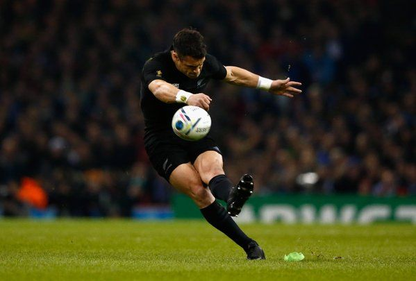 PEN Dan Carter restores #NZL's five-point lead after #RSA are penalised at the breakdown #RSA 15-20 #NZL #RSAvNZL pic.twitter.com/IVUU6LsTRH