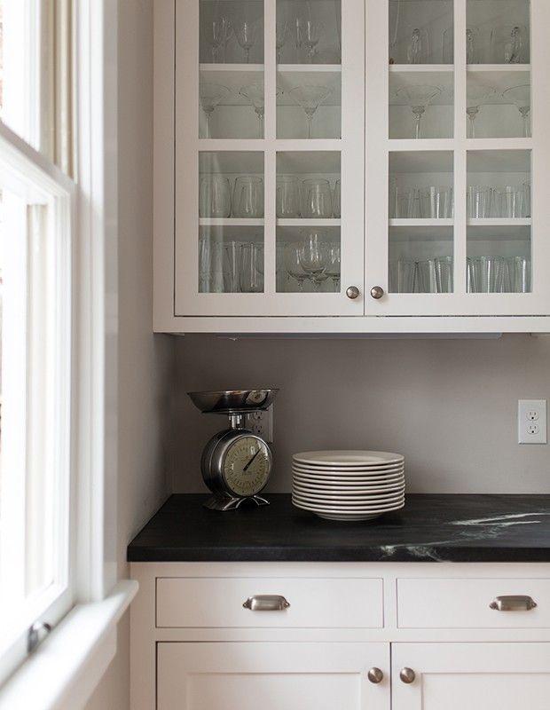 die besten 17 ideen zu wei e k chenschr nke auf pinterest k chenschr nke wei e k chen und. Black Bedroom Furniture Sets. Home Design Ideas