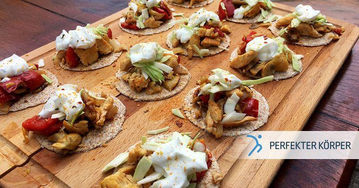 MINI-FIT-TACOS😍🌮👌👌  Egal wo, egal wann... wenn diese Mini-Tacos auf dem Tisch stehen sind sie die Hauptattraktion im Raum!✨😍 Sie sind lecker, saftig und obendrein noch ein echter Blickfang. Was die Taco-Füllung angeht, kann der Phantasie freien Lauf gelassen werden! 😉🙌 Auf die Plätze, fertig, Tacos!🌮