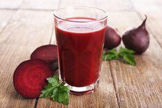 O suco para cansaço físico e mental com pepino, beterraba, maçã e espinafre alivia o cansaço porque é rico em vitaminas do complexo B, aminoácidos e...